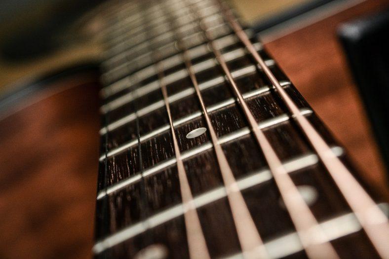 short-scale-guitar