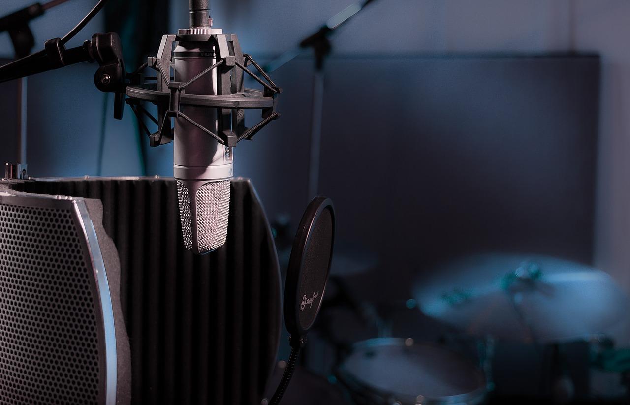 auto-tune-studio-microphone