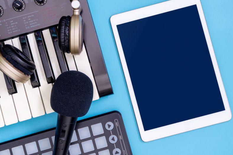 tablet-musicians