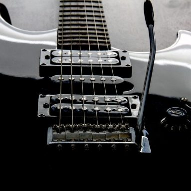 The 9 BestGuitarVSTPlugins – Free and Paid Options