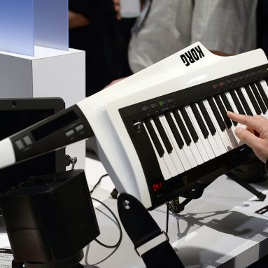 The 4 Best Keytars (2020) – Synths and MIDI Controllers
