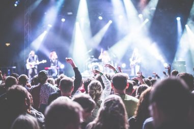 10 Tips to Improve Your Stage Presence for ALL Musicians