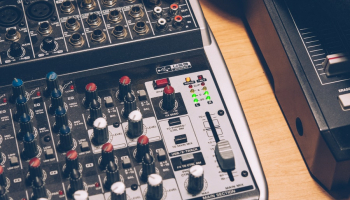 The 8 Best USB Mixers for Music and Podcasting